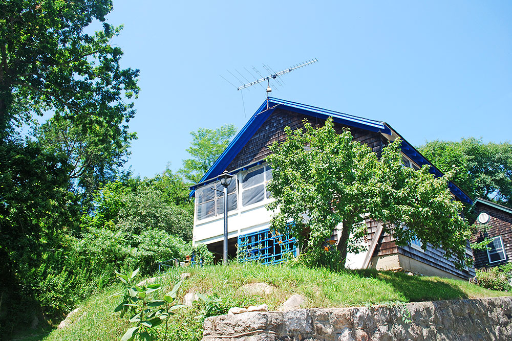 Montauk Hillside Cottage