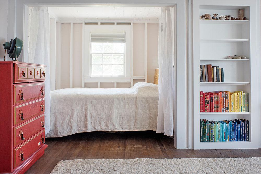 LakeHouse18-09-bedroom