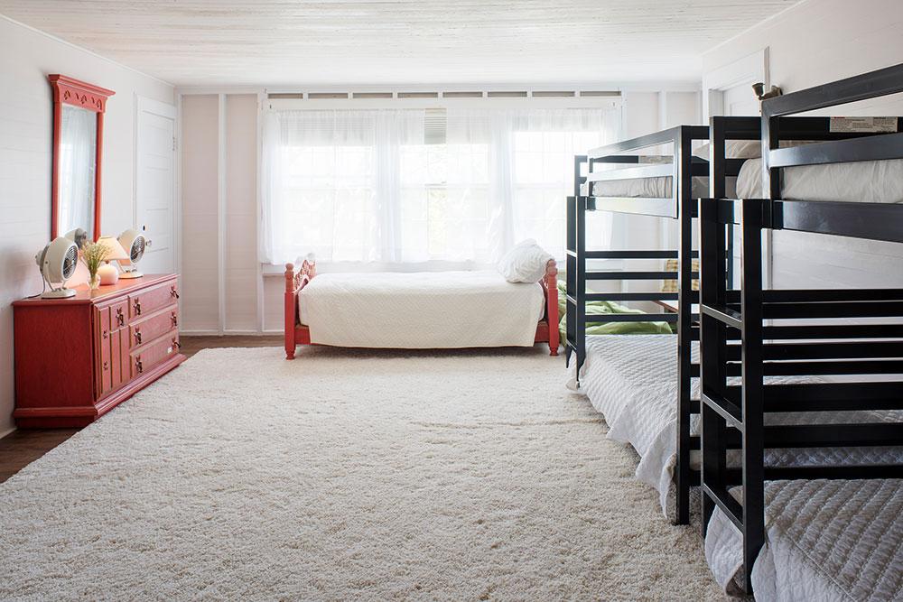 LakeHouse18-10-bedroom